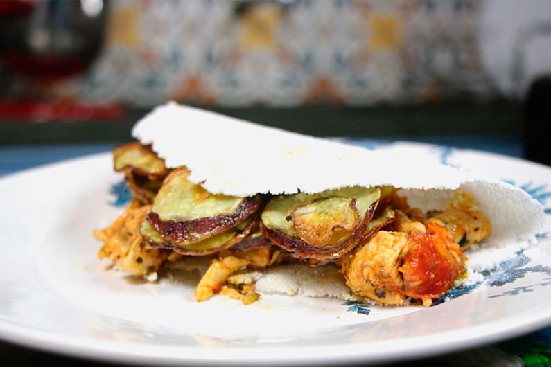 Tapioca com recheio de frango e batata doce